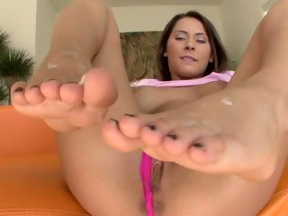 Sugary Madison Ivy gets her feet glazed with dick milk