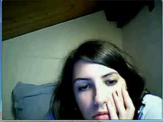 Lauriane real amateur strip webcam