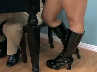 Footsex and Foot Worship in boots