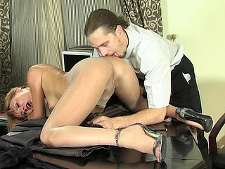 Horny boss gives his sec a fresh task stuffing his wang into pantyhosed mouth