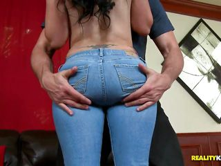 Pamela Foxx its a brunette long hair whore tattooed with big boobs and a very nice ass. She is giving to the bald guy some moment of pleasure making him o blowjob and a very good hand job with such dexterity. You can see on the guy face how satisfied he is. Do you wan to get a blowjob from her?
