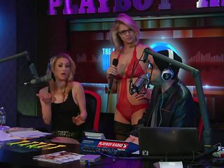 Hot blonde Bitch with eyeglasses is about to receive an Oscar for her great looks! She is wearing a sexy red lingerie made up of lace and laughs frenetically. She`s feeling good rubbing her tits with saliva. The sticker that attaches to her tits announces the actress who is going to win an Oscar this year. Stay tunned!
